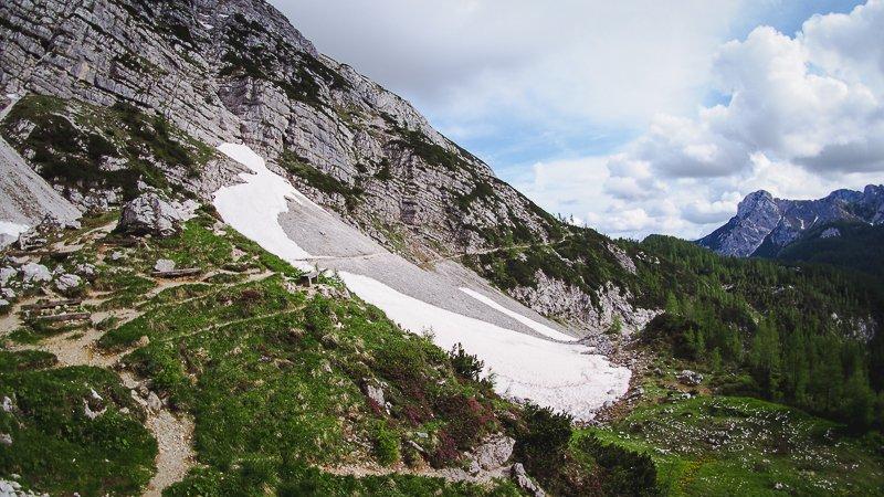 Vodnikov Dom trekking Triglav Slovenia